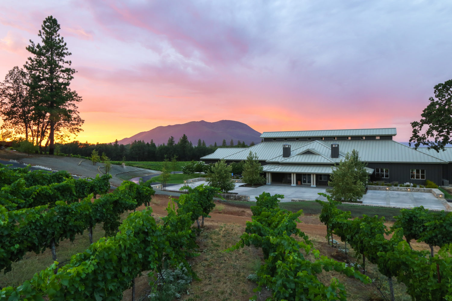 Boatique Winery at sunset (c) Nathan DeHart